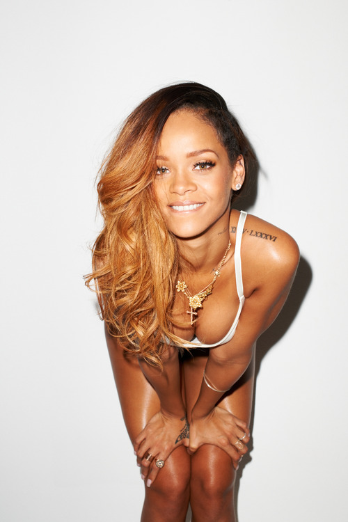 09-Rihanna-Behind-the-Scenes-with-Terry-Richardson-for-Rolling-Stone