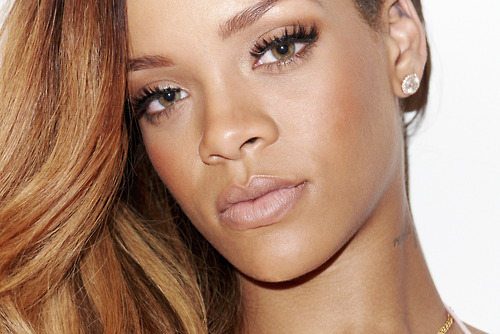 Rihanna-Behind-the-Scenes-with-Terry-Richardson-for-Rolling-Stone