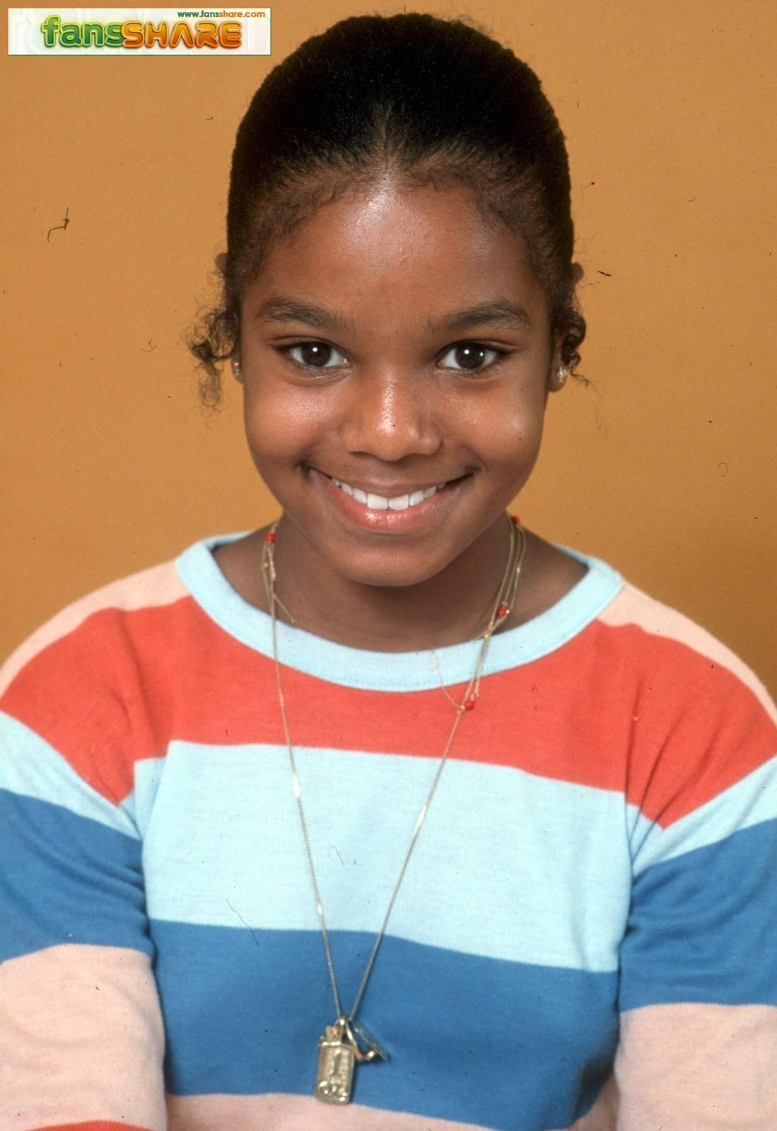 934_janet-jackson-stars-childhood-pictures-young-1457862149
