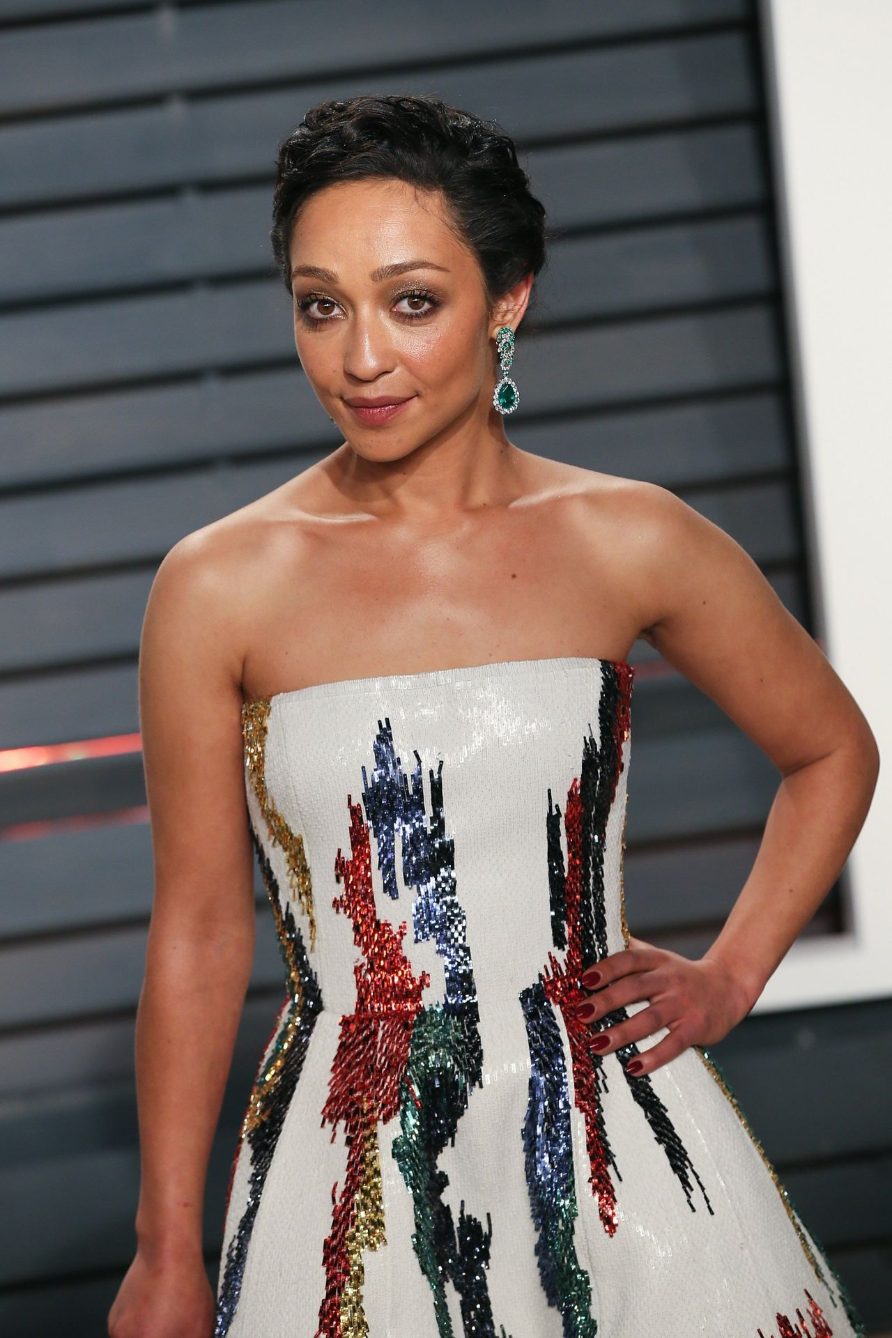 ruth-negga-at-vanity-fair-oscar-2017-party-in-los-angeles-1